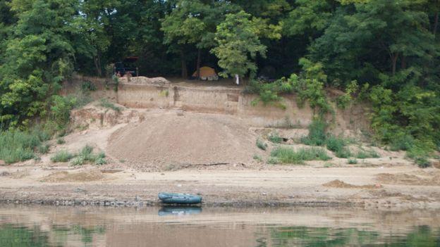 Розкопки на березі Дністра