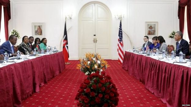 Kenya's President Uhuru Kenyatta and US President Barack Obama participate in a bilateral meeting at the State House in Nairobi 25/07/2015