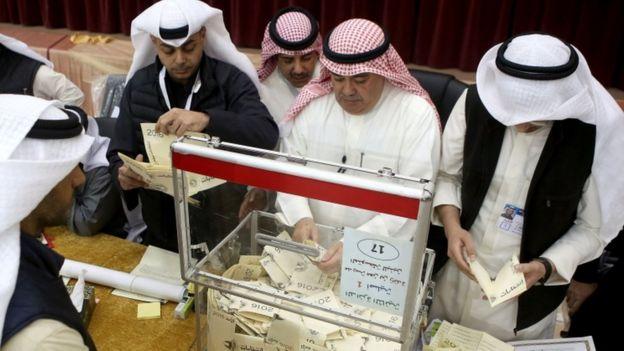 بلغت نسبة الاقبال على التصويت نحو 70 في المئة من الناخبين المسجلين