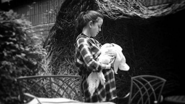 Chloe Nicholson y su hija Phoebe-Quinn