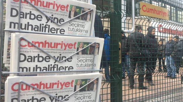 Cumhuriyet gazetesi önü