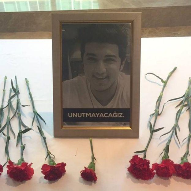 Iraklı öğrenci Mustafa Jalal Ahmad Abbas'ın anısına İstanbul'da Kemerburgaz Üniversitesi'nde bir tören düzenlendi.