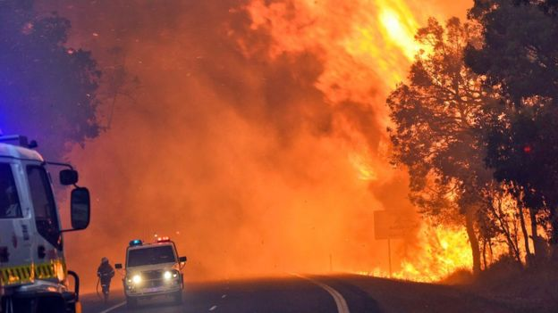 87558104 hi030819100 - Australia Waroona fire threatens more towns after devastating Yar