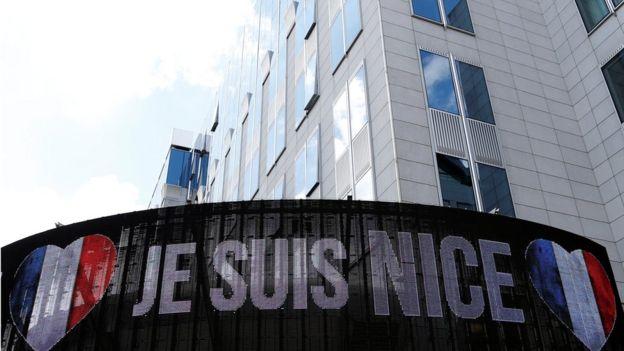 El presidente francés François Hollande, calificó lo ocurrido de