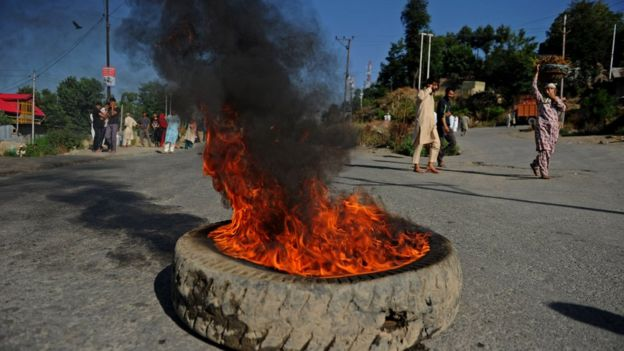 Protesters in Kashmir