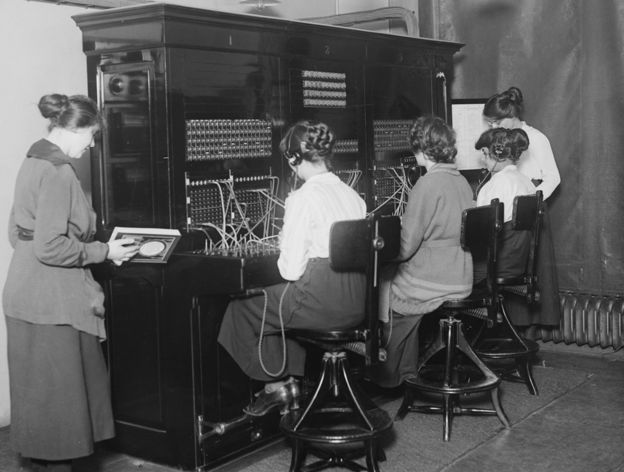 1st November 1919: Switchboard operators at the telephone switchboard oft the House of Commons, London.