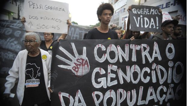 Protesto contra o genocídio de jovens negros no Rio