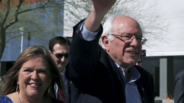 Democratic presidential candidate Bernie Sanders and his wife Jane visit a caucus site in Las Vegas, Nevada 20 February 2016.
