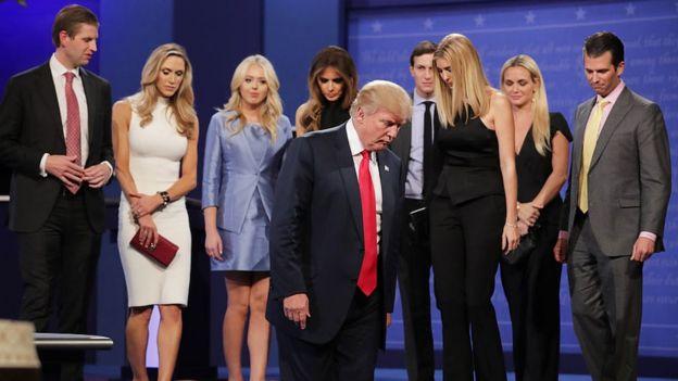 La familia Trump, en el escenario tras su discurso de victoria