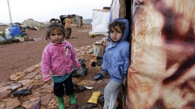 Mülteci kampında çocuklar