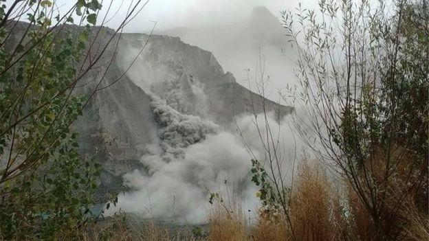 86334744 8e29761c 7648 4281 83ca ee5f92faa4b0 - Afghanistan-Pakistan  Earthquake  Leaves  Hundreds  Dead