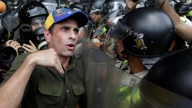 Henrique Capriles at a protest in Caracas, 7 June 16