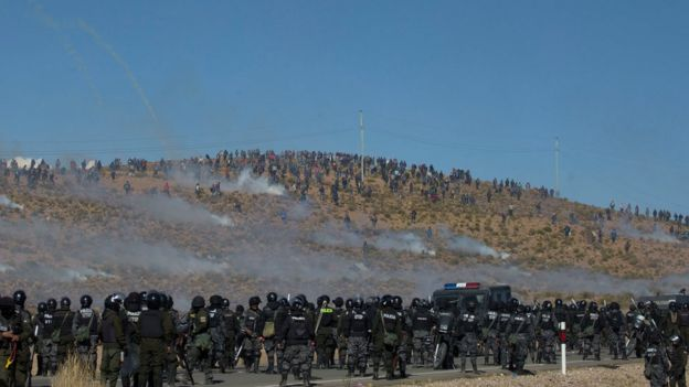miners clash with the police