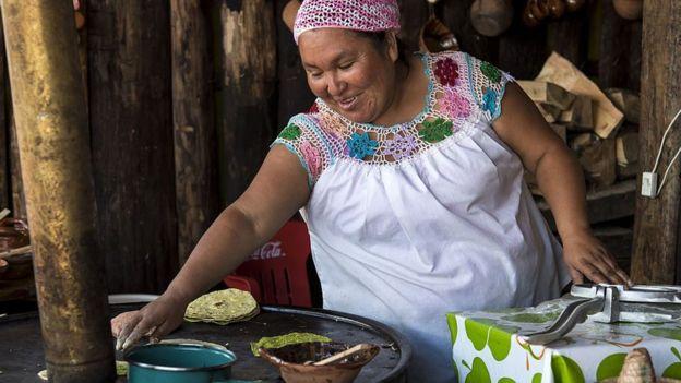 Tortillera mexicana