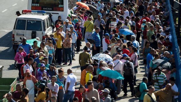 Filas en Caracas