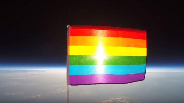 پرچم همجنسگرایان