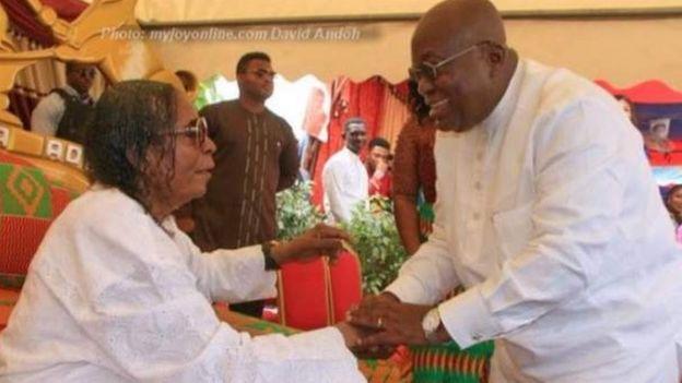 Kwadwo Sarfo ,mwanzilishi wa taasisi ya kiteknolojia ya Katanka na rais wa Ghana kulia Nana Akofu Ado