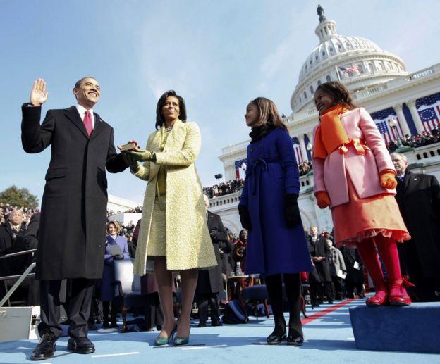 Markii Obama xilka loo dhaariyay 2009kii gabdhiisa Malia waxay ahayd 10 jir Sasha ayaa iyadana jirtay 7 sano