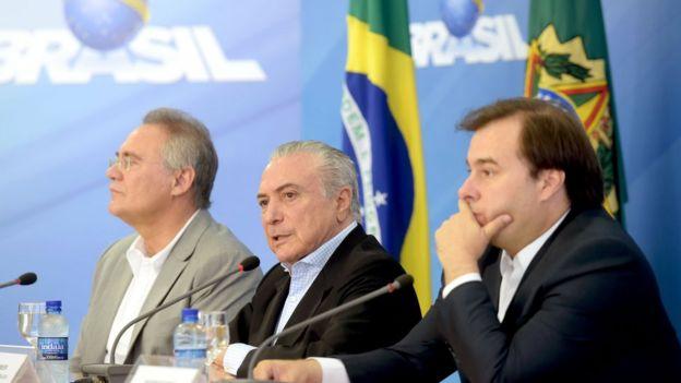 Calheiros, Temer e Maia participam da entrevista coletiva em Brasília
