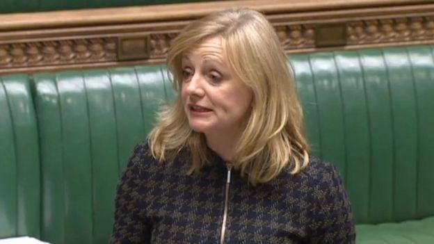İşçi Partisi milletvekili Tracy Brabin de, 20 yaşındayken bir yabancı tarafından cinsel saldırıya uğradığını anlattı.