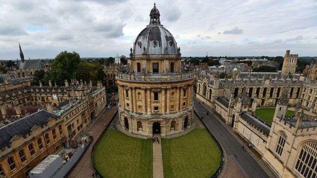 """Novo formato do programa vai exigir """"excelência da instituição de ensino""""; este ano, Oxford foi 1º lugar no ranking mundial das universidades. Foto: GETTY IMAGES"""