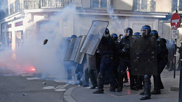 Nantes police during clash, 25 Feb 17