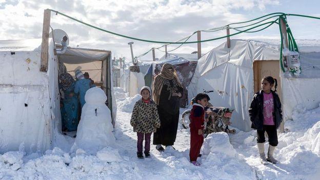 Refugiados sirios en un campamento en Líbano