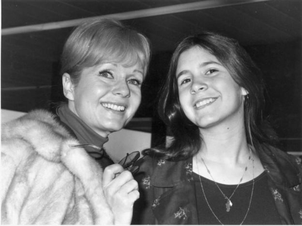 Debbie Reynolds y su hija, Carrie Fisher.