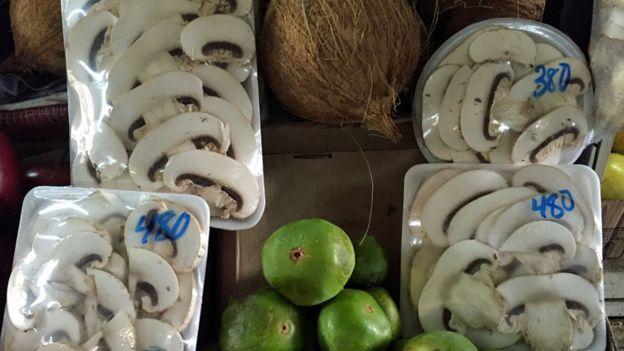 Venta de champiñones en Caracas