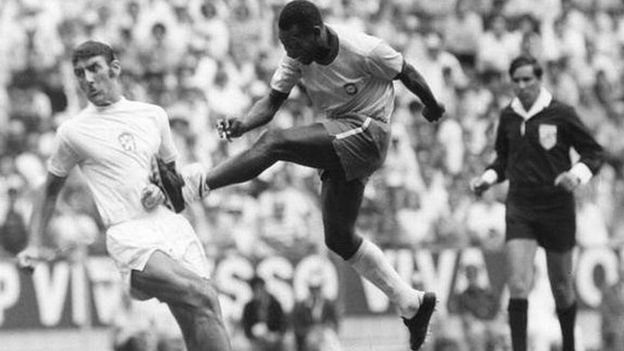 Pele in action for Brazil v Czechoslovakia at the 1970 World Cup