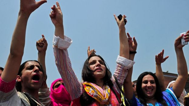 Pakistani eunuchs and transgenders demonstrate for their rights in the city of Peshawar on July 11, 2011