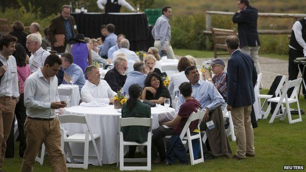 Jackson hole attendees break for lunch