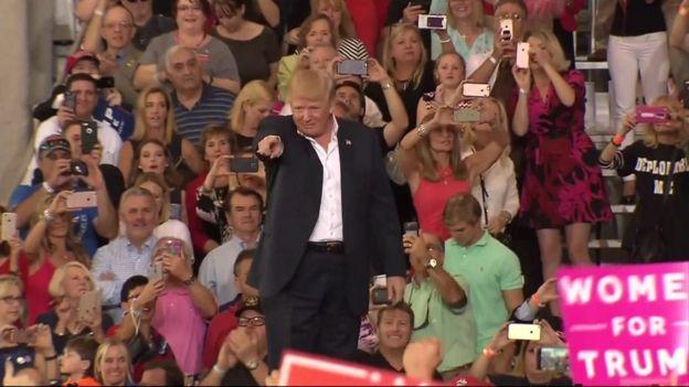 ترامب في تجمع في ملبورن بولاية فلوريدا
