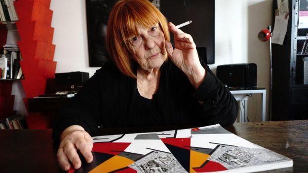 لتیسیا باتالیا طی زندگی حرفهای خود تعدادی از معروفترین عکسها را از موج خشونت مافیا در سیسیلی بین دهههای ۷۰ تا ۹۰ به ثبت رسانده.