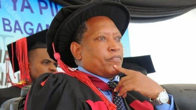 Awali Prof. Palamagamba Aidan Kabudi alikuwa mhadhiri wa chuo kukuu cha Dar es salaam na sasa ameteuliwa kuwa waziri wa sheria