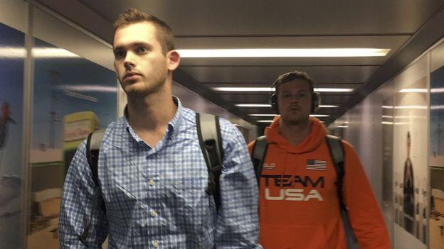 Gunnar Bentz y Jack Conger llegando a Miami el 19de agosto de 2016