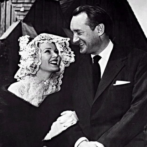 Zsa Zsa Gabor marries George Sanders
