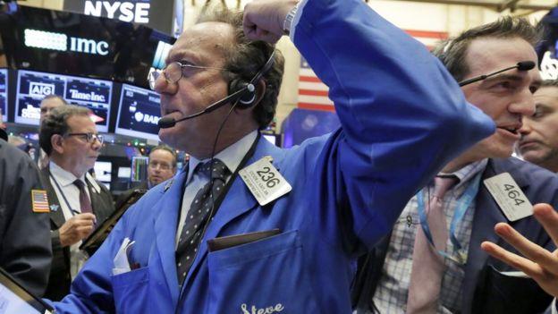 ارتفاع الأسهم الأمريكيه بقدوم العام الجديد