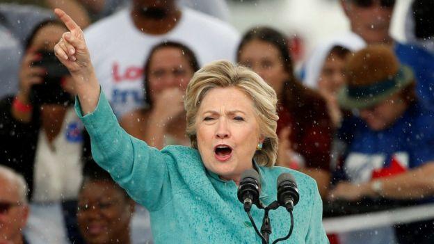 Hillary Clinton faz pronunciamento em comício na Flórida