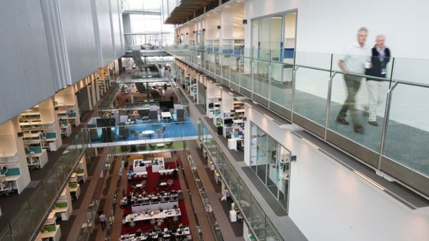 Interior del edificio Francis Crick