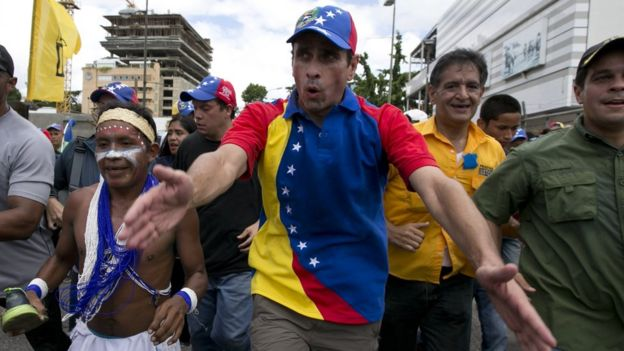 http://ichef-1.bbci.co.uk/news/624/cpsprodpb/EE02/production/_91203906_capriles.jpg