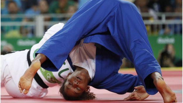 Rafaela Silva na luta que lhe rendeu o ouro