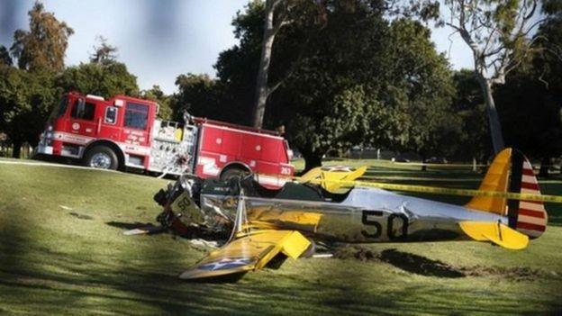 هاريسون فورد ينجو من حادث تصادم طائرة في مطار أمريكي