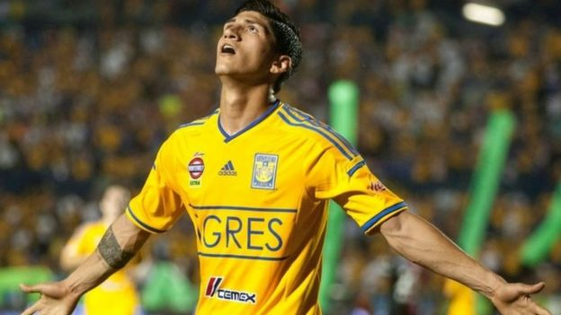 Alan Pulido. Archive photo