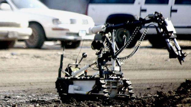 Atirador morreu a partir de detonação de explosivo carregado por robô