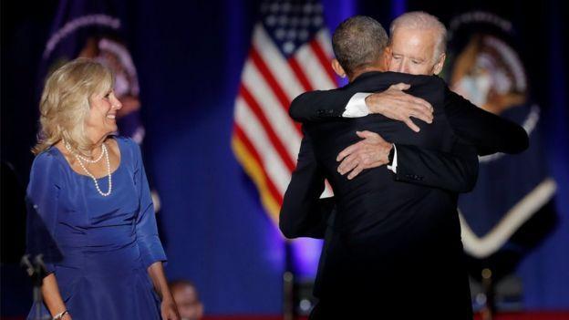 قال أوباما إنه اكتسب أخا هو نائبه جو بايدن