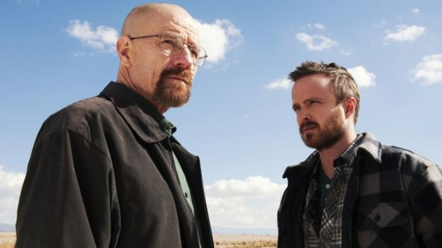 Bryan Cranston como Walter White, y Aaron Paul como Jesse Pinkman
