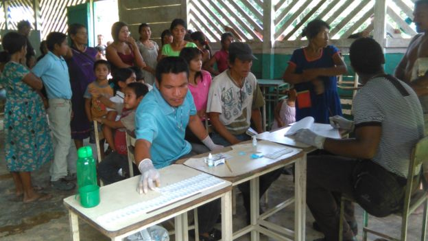 Centro de vacunación en Sifontes