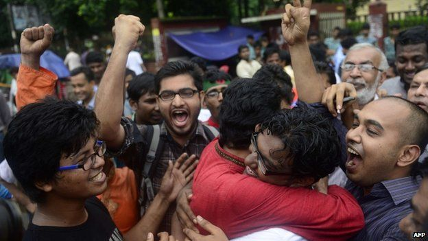 Bangladeshi social activists shout slogans in Dhaka on September 17, 2013