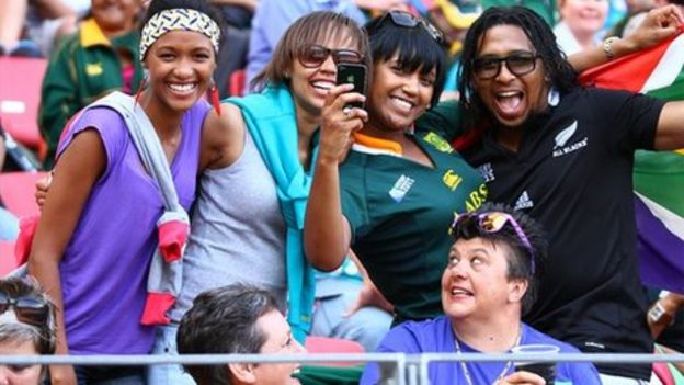 How South Africa is learning to live with mixed race couples   BBC     BBC